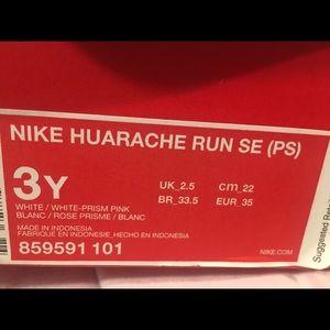 Nike Shoes - Girls New Nike Shoes
